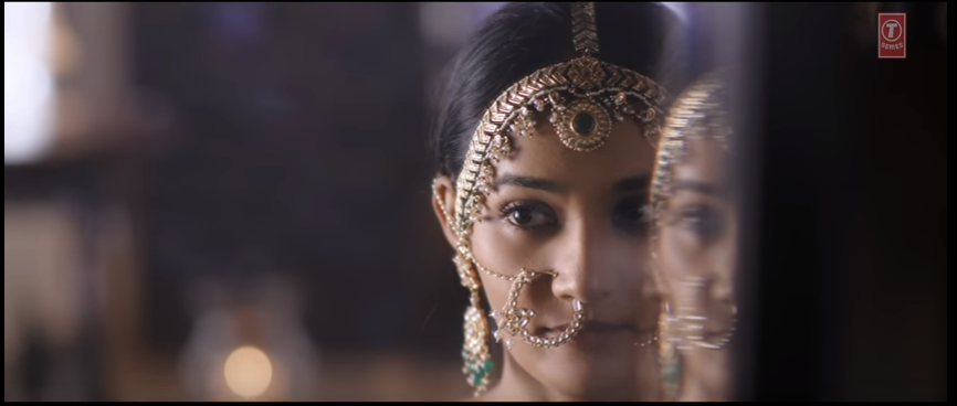 neeti mohan KANHA RE song lyrics - Jewellery dressing image of song lyrics by Shakti Mohan, Neeti Mohan, Mukti Mohan video song