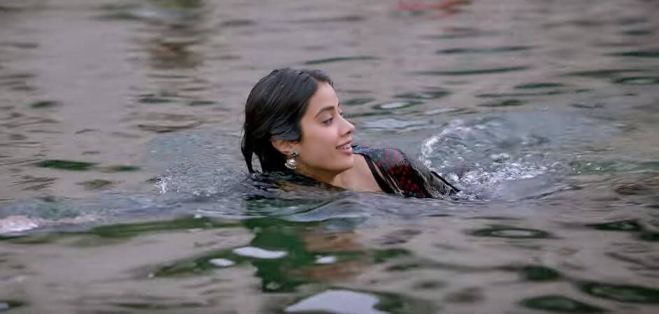 Janhvi Kapoor Hot Photos in Pehli Baar hai ji song of Dhadak movie