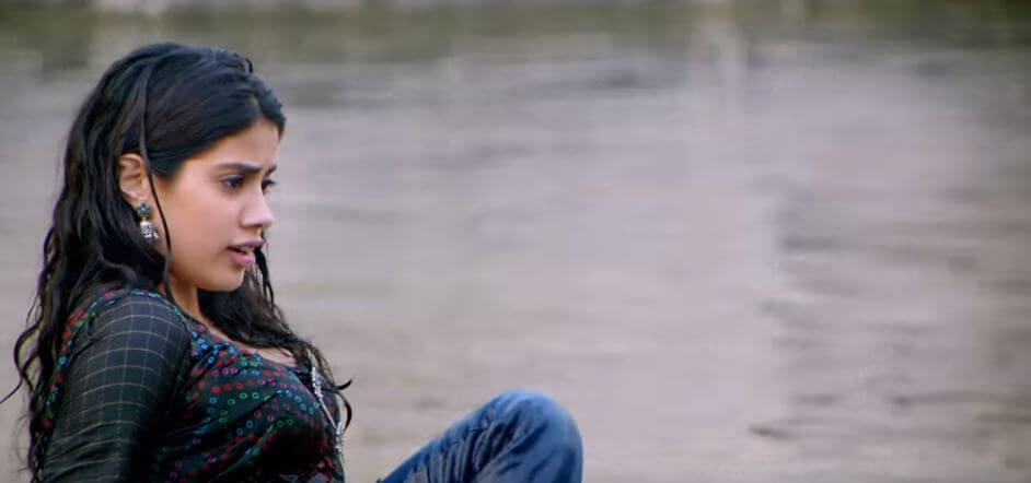 Janhvi kapoor in swiming pool hot photo in dhadak movie song pehali baar hai ji
