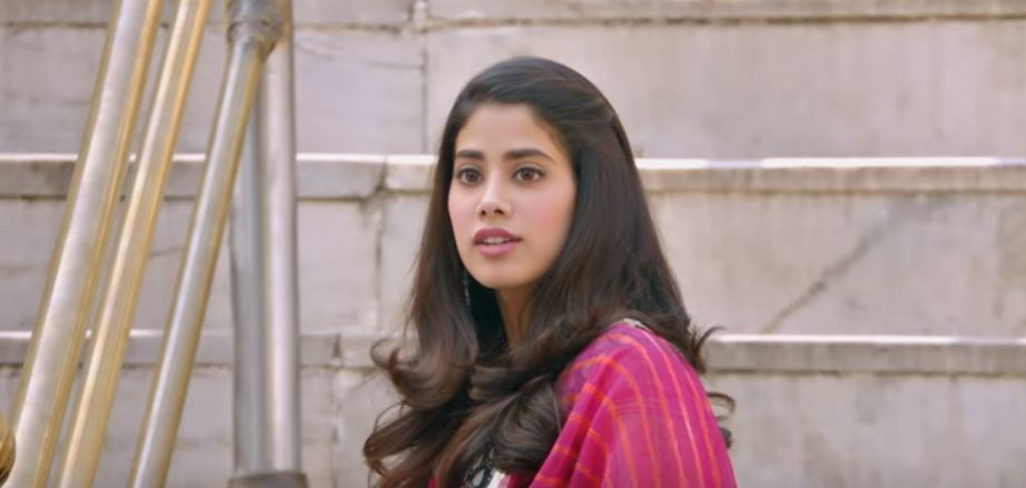 hot pic of janhvi kapoor romantic dhadak