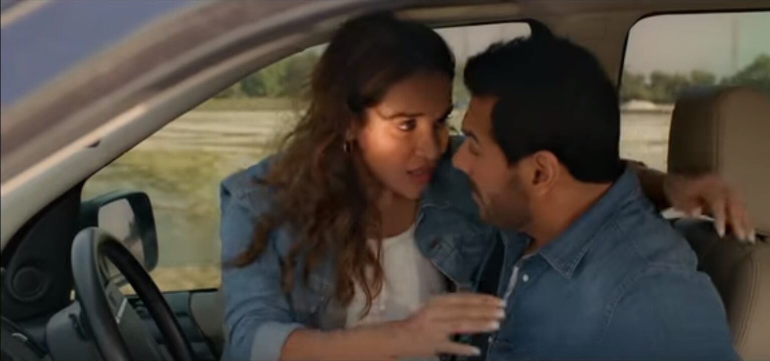 sex in car with aisha sharma, john abraham- panioy sa