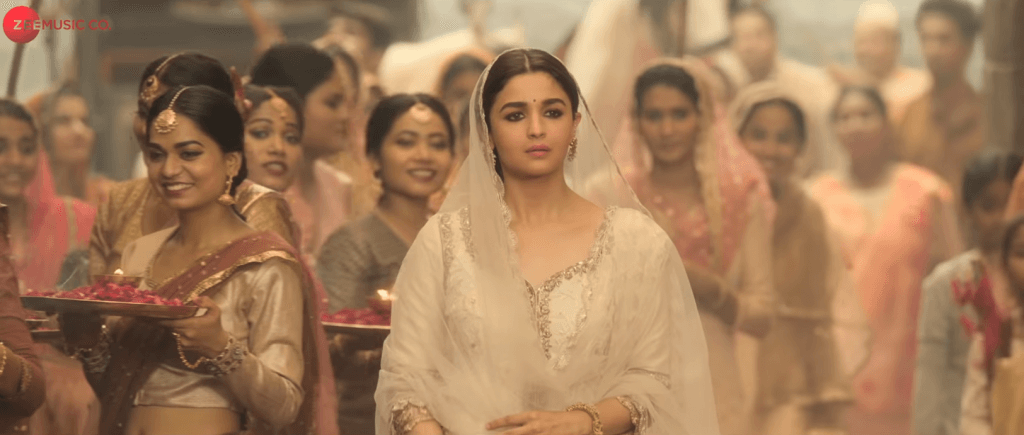 Latest pic of Ghar More Pardesiya – (Kalank 2019) – Shreya Ghoshal with Vaishali Mhade (Latest Movie Songs)