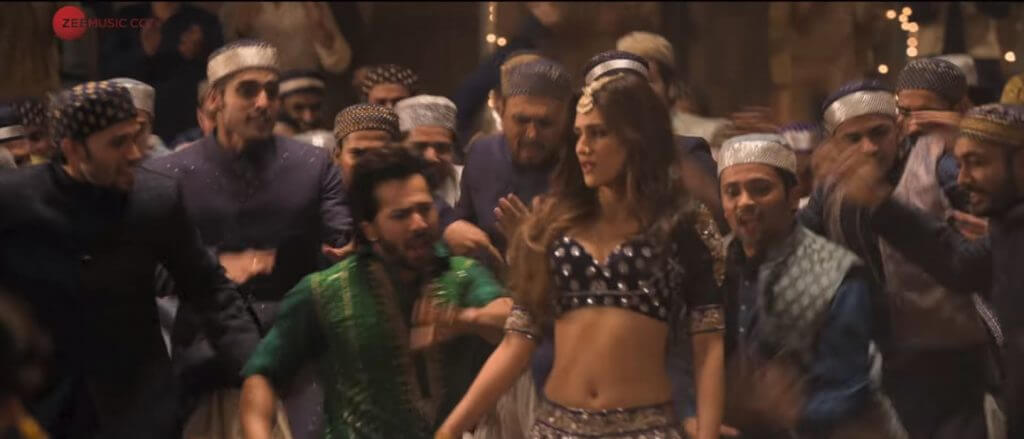 dance performance of varun dhawan and kriti sonan in aira gaira latest song