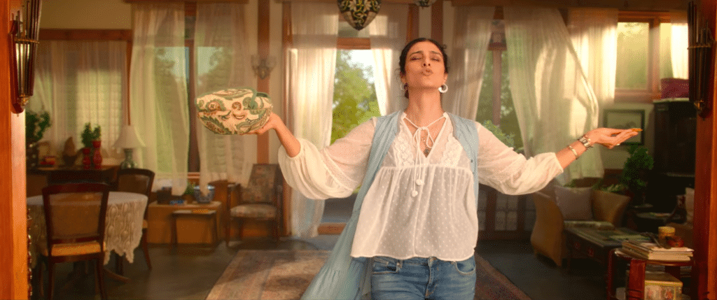 tabu photos in de de pyaar de movie