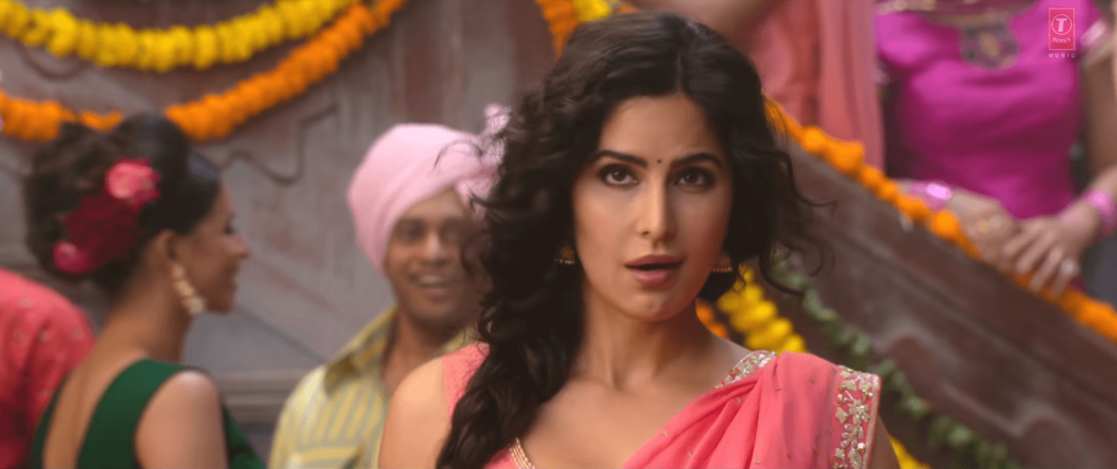 sexy look of Kaitrena kaif in the song of Aithey aa from bharat movie image