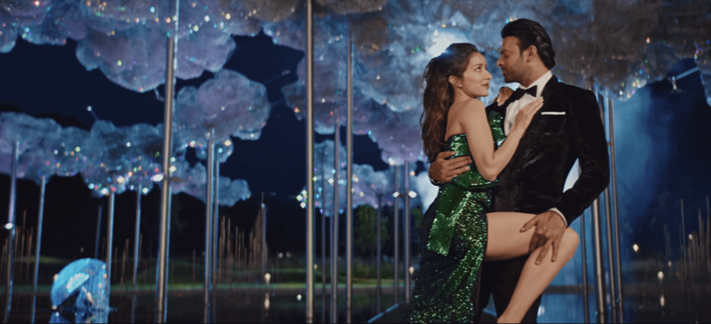 Hot dance scene of Enni soni song from Saaho movie 2019