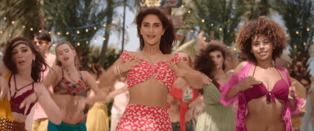 Moves of Vaani in pink dress design